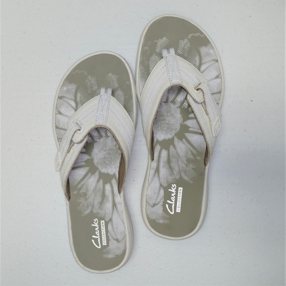 52cac55a0 Clarks Shoes - Clarks Collection Breeze Sea Flip Flops